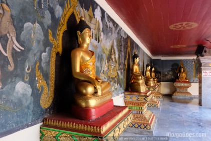 When you enter, you will see a lot of buddha statues