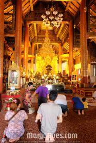 More gold Buddha statues